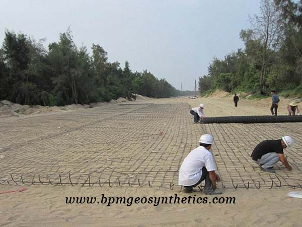 Steel Plastic Geogrid Reinforcement Application